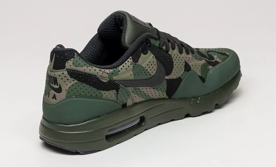 best website 87128 32d72 Nike Air Max 1 Ultra Moire Print Color  Carbon Green Black-Rough Green-Tarp  Green Style    806851-300