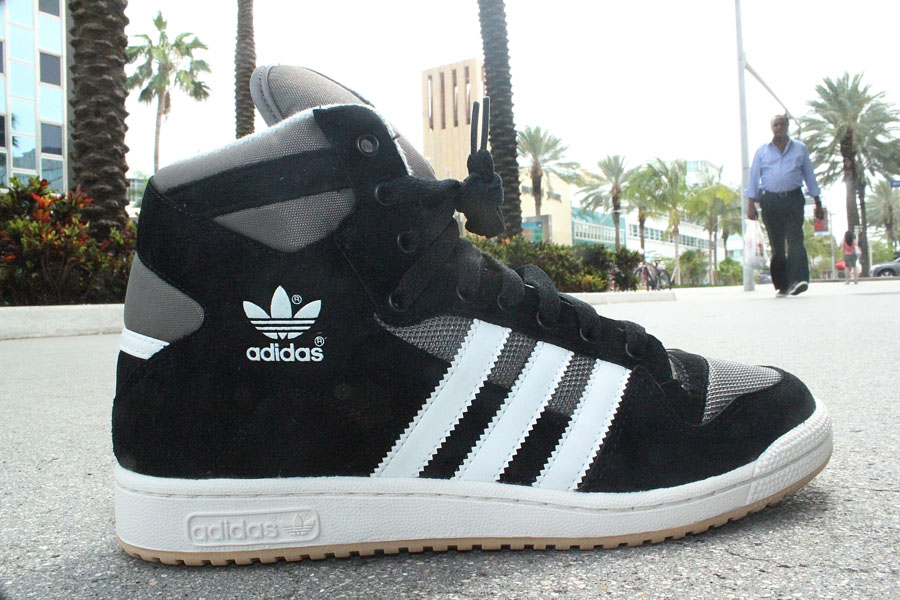best website 100d6 a1789 adidas Originals Decade OG Mid - BlackWhite