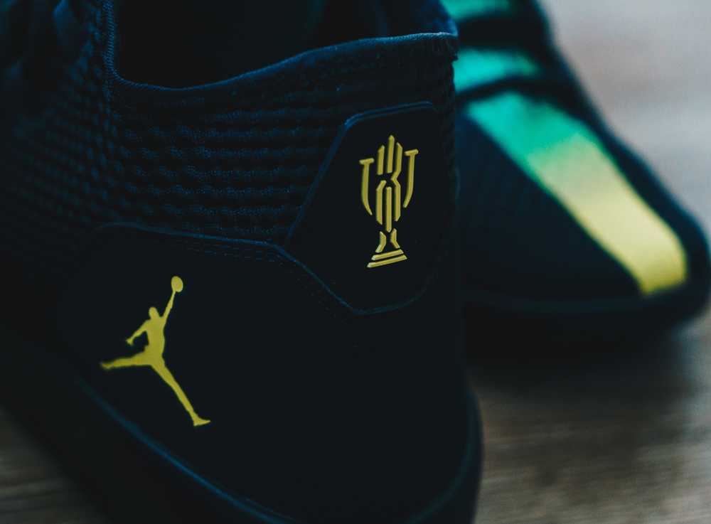 the best attitude 71f5b 35ec5 Trophy Room Jordan Reveal Heel
