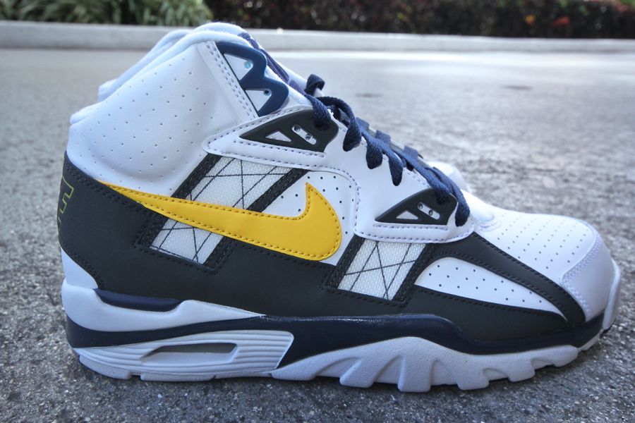 best website f2c35 e4376 Nike Air Trainer SC High - WhiteTour Yellow-Anthracite-Midnight Navy. The Bo  Jackson ...