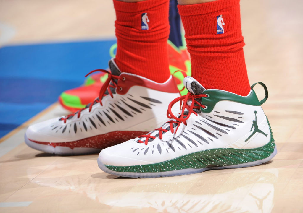 769e333fc1e1 Blake Griffin wearing Jordan Super.Fly Christmas PE (1)