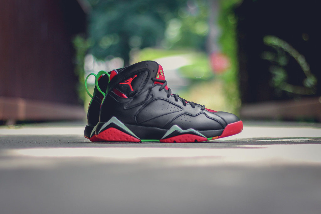 398ae06119c Here s Marvin the Martian s Air Jordan 7 On-Foot