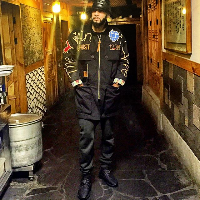 Swizz Beatz wearing the  Pirate Black  adidas Yeezy 350 Boost b72f3bc5c183