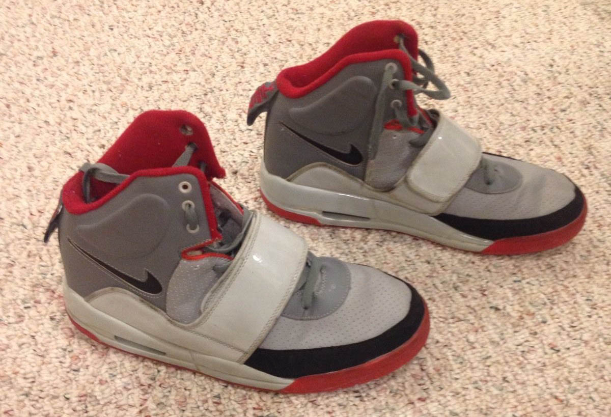 10 Flagrantly Fake Sneakers on eBay Right Now  5482cd5d3