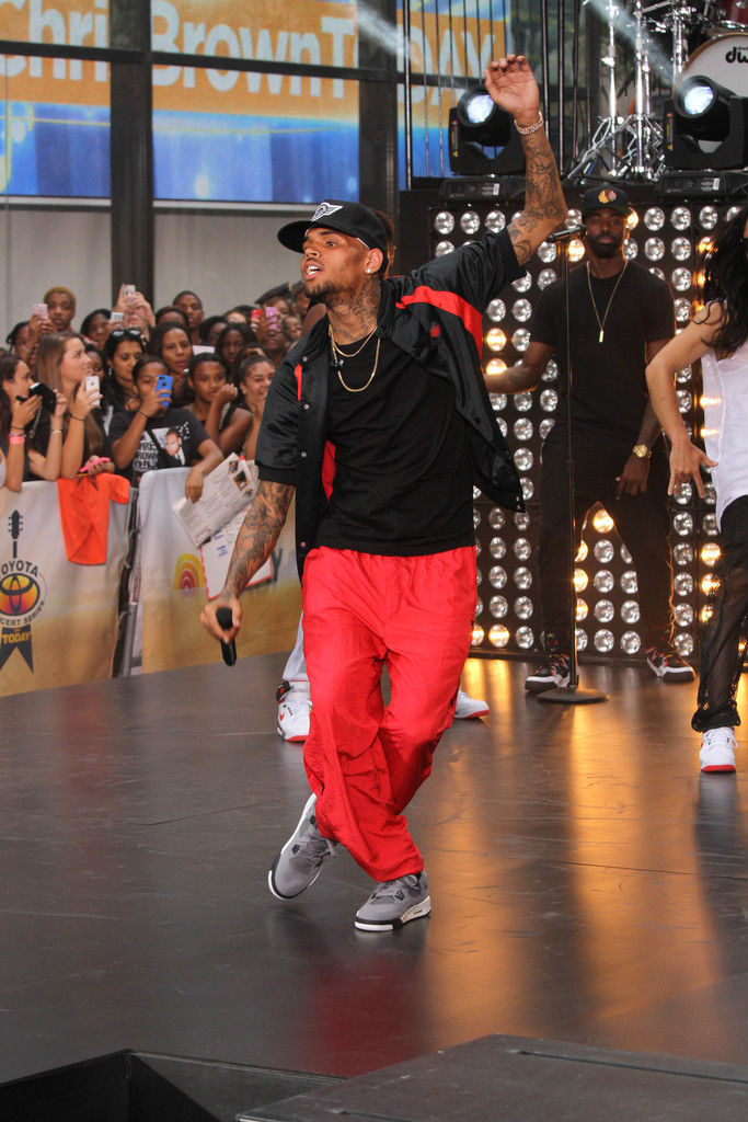 Chris Brown Wearing Cool Grey Air Jordan IV 4 Retro (8)