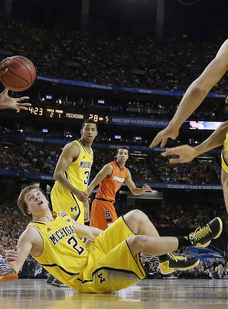 Spike Albrecht wearing adidas Rose 773