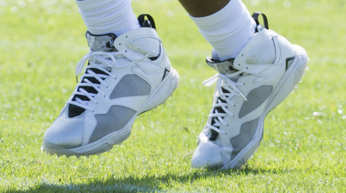 3469d5c15dfa SoleWatch  Charles Woodson Prepares for Final Game in Exclusive Air ...