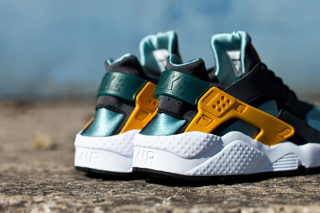 sale retailer fa505 5691e Nike Air Huarache  Catalina . Nike Sportswear continues to dish out new  colorways of the ...