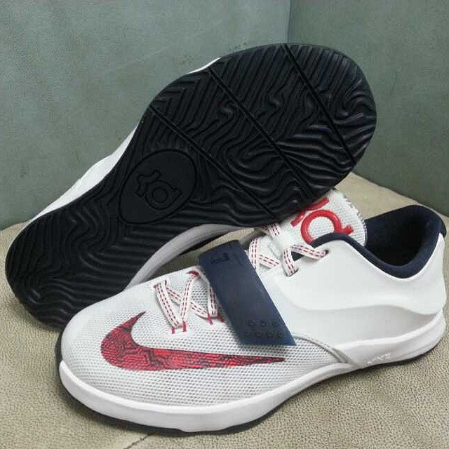 the best attitude 27ef9 fc05e New Photos of Two Nike KD 7 GS Colorways | Sole Collector