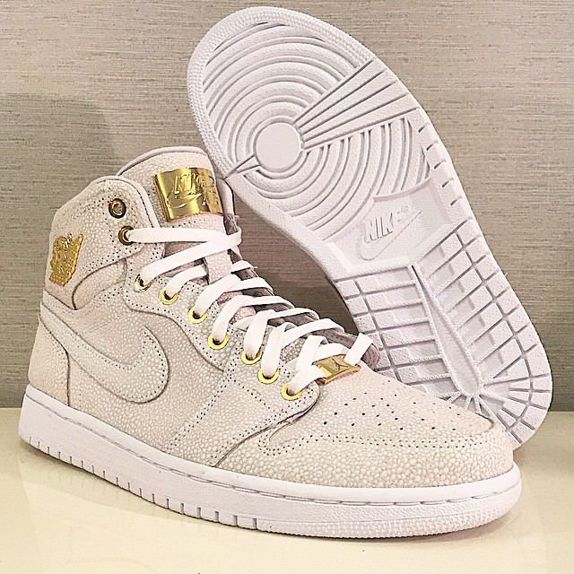 womens air jordan retro 1 all gold
