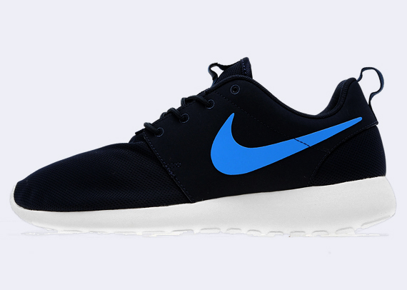 f56107926ab1 The Obsidian Photo Blue Nike Roshe Run is now available online via JD  Sports.
