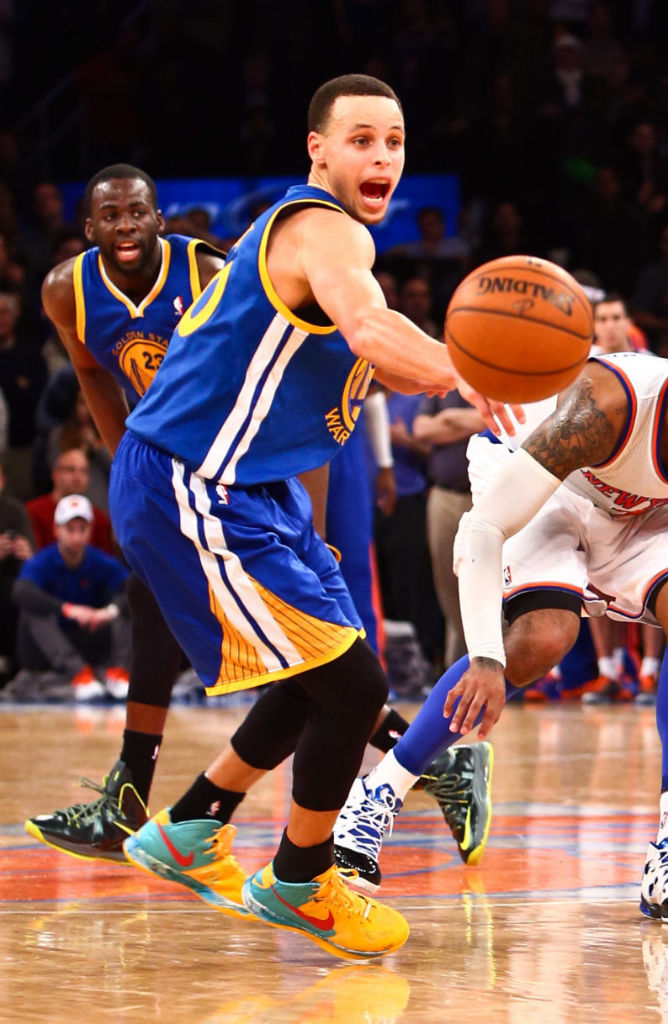 Stephen Curry Scores 54 Points Wearing Nike Zoom Hyperfuse 2012 PE (6)
