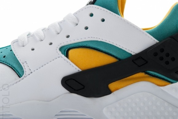 100% authentic 31ce6 62efd The Air Huarache OG is scheduled to release overseas this weekend. Stay  tuned to Sole Collector for further details on an official stateside  release.