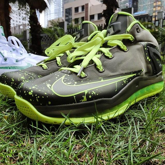 hot sale online 328fe b63e1 Nike LeBron XI 11 Low Dunkman Release Date 642849-200 (1)