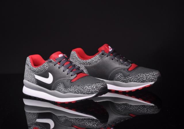 Nike Air Safari LE Metallic Silver Gym Red New Images