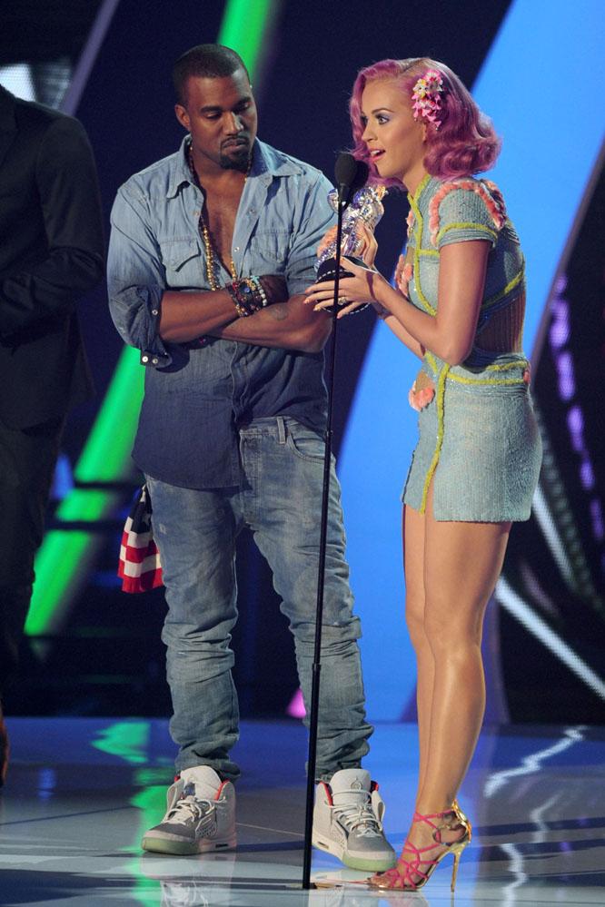 huge discount cbaec 58f1a Kanye West wearing Nike Air Yeezy II 2 Platinum ...