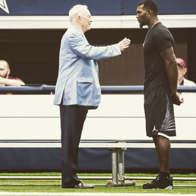 Dez Bryant wearing the 'Chrome' Air Jordan VI 6 Low