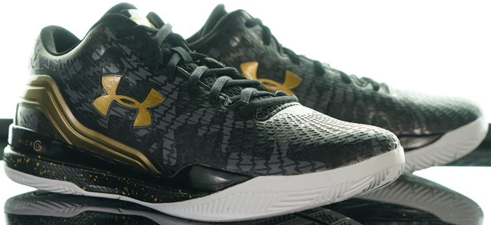 Under Armour ClutchFit Drive Low Black/Gold-White