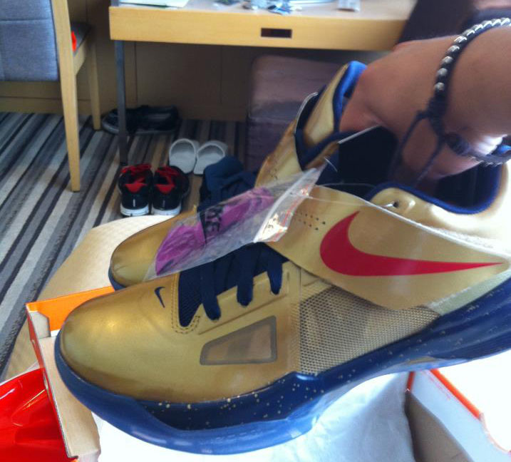 Pickups of the Week // Nike Zoom KD IV Gold Medal by SoleKnight