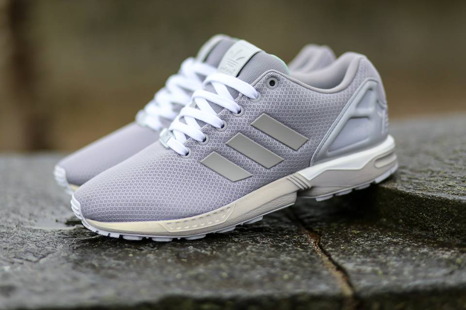 Adidas zx flux (grey camo) on feet