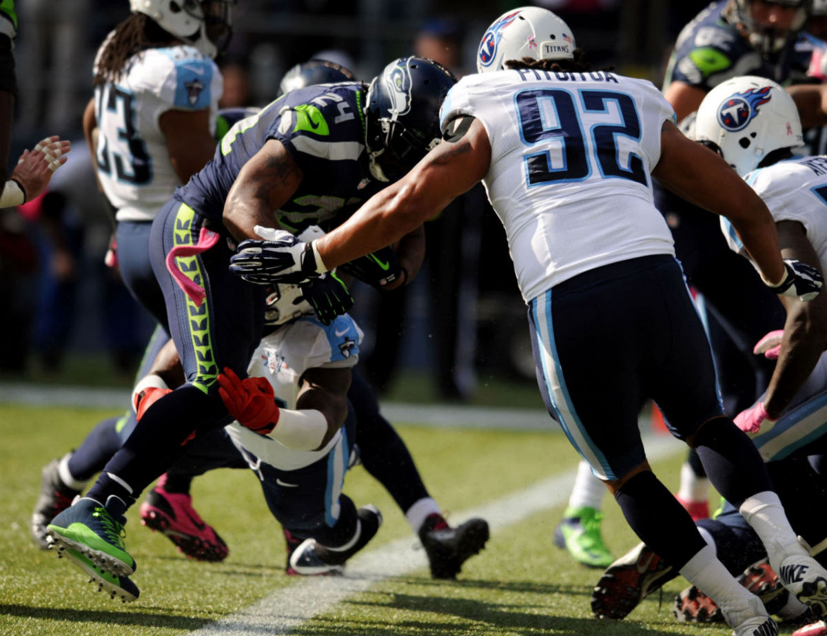 Marshawn Lynch Wears Air Jordan 12 XII PE Cleats (9)