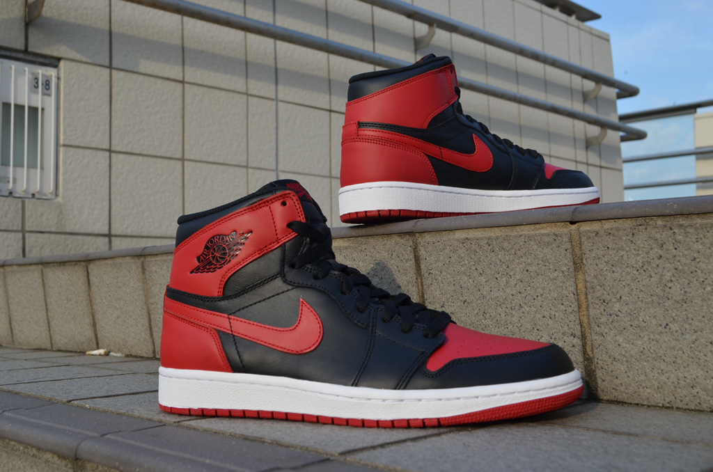 jordans retro 1 red and black