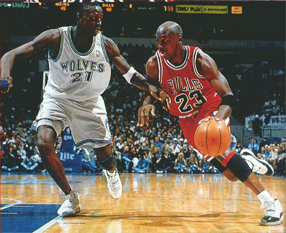 Michael Jordan wearing Air Jordan XI 11 Concord (19)