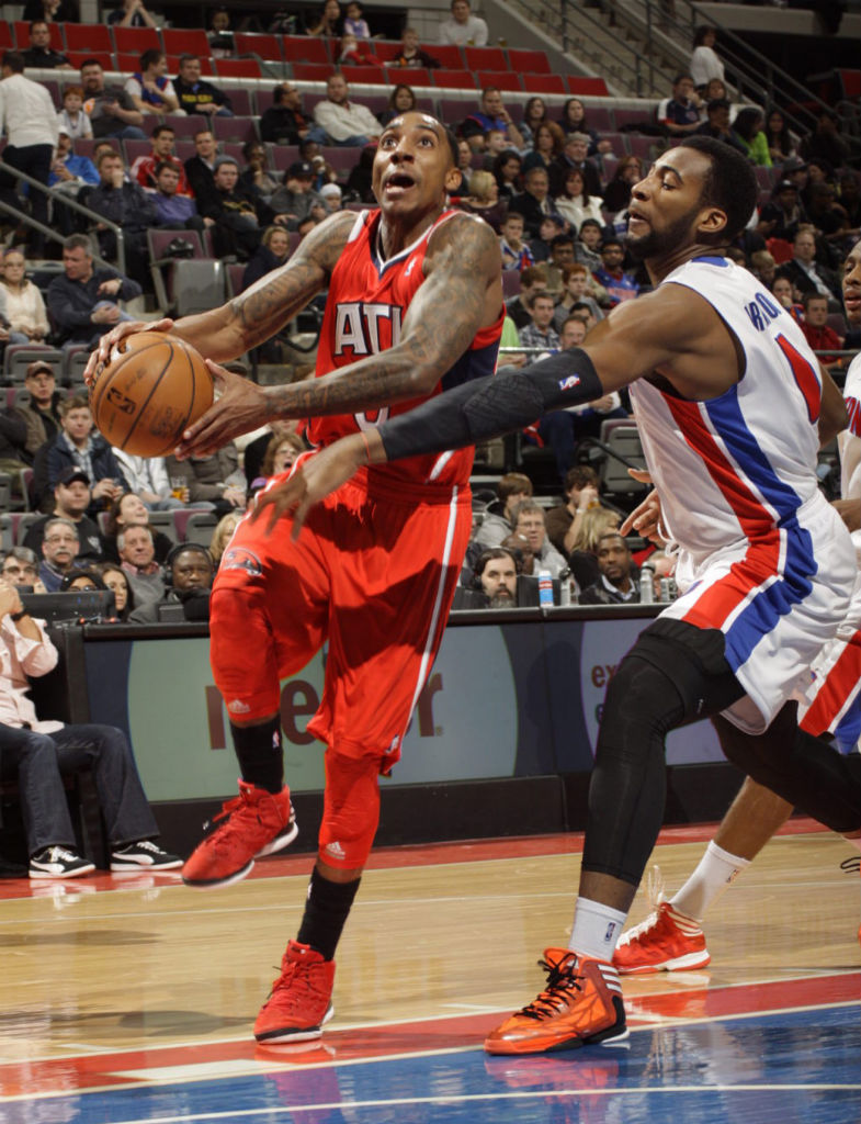 Jeff Teague wearing adidas Rose 2.5 Brenda; Andre Drummond wearing adidas adizero Crazy Light 2 Bright Lights, Big City Chicago