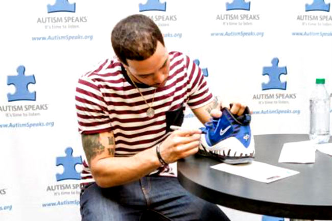 Deron Williams Auctioning Off Signed Nike Penny V For Autism Awareness (2)