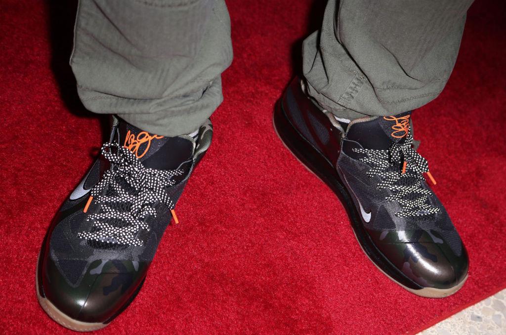 hot sale online 7743e dab7b LeBron James wears Nike LeBron 9 Low Camo War Vet (2)
