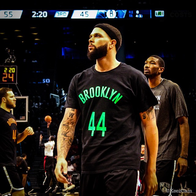 Deron Williams Honors Nets Fan in the 'Volt' Nike Air Penny 5 (5)