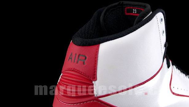 air-jordan-ii-max-white-black-varsity-red-3