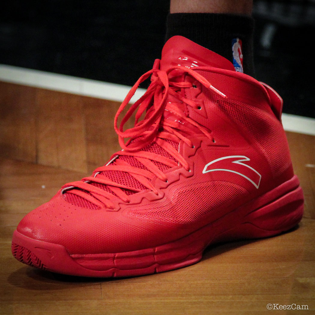 Chandler Parsons wearing ANTA Signature (1)