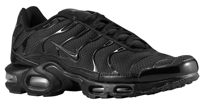 2d64b34c21 The best of Nike's recent triple black push. Available, well, because the Air  Max Plus silhouette still hasn't found its niche in the U.S. Rest assured  ...