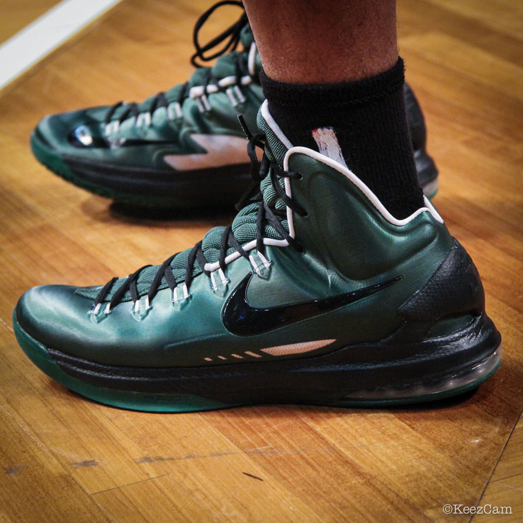 58f01ac66ae2  SoleWatch    Up Close At Barclays for Nets vs Celtics - Phil Pressey  wearing