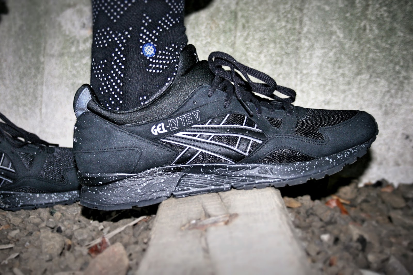 speckled soles for the asics gel lyte v sole collector. Black Bedroom Furniture Sets. Home Design Ideas