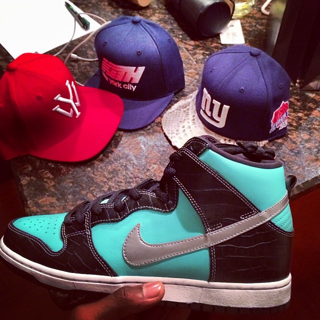 Victor Cruz Picks Up Nike Dunk High SB Tiffany