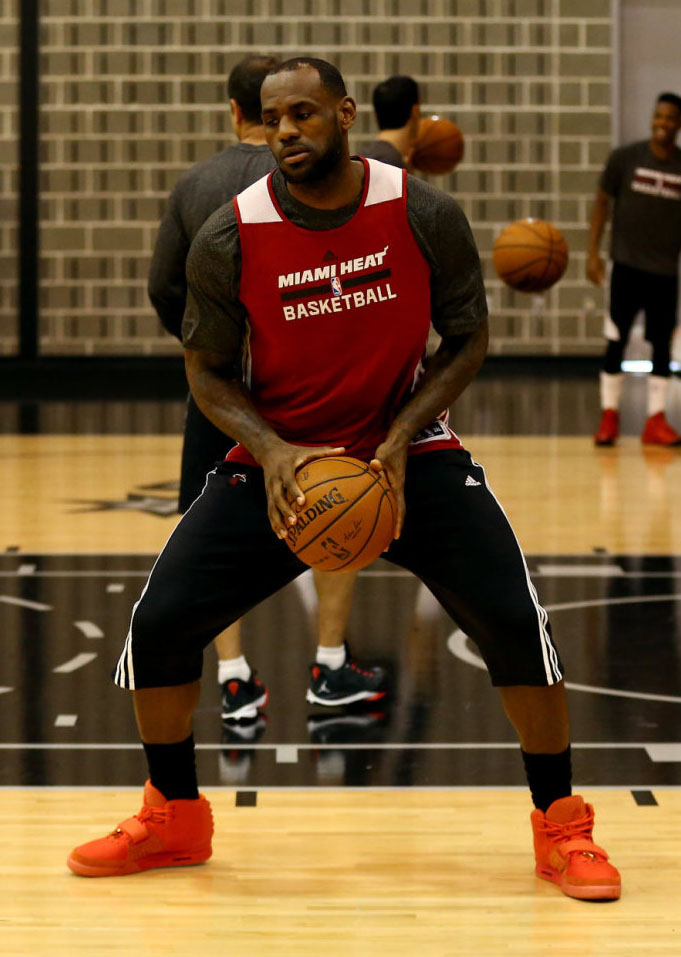 best service dc6d0 fd462 LeBron James wearing Nike Air Yeezy II 2 Red October (2)