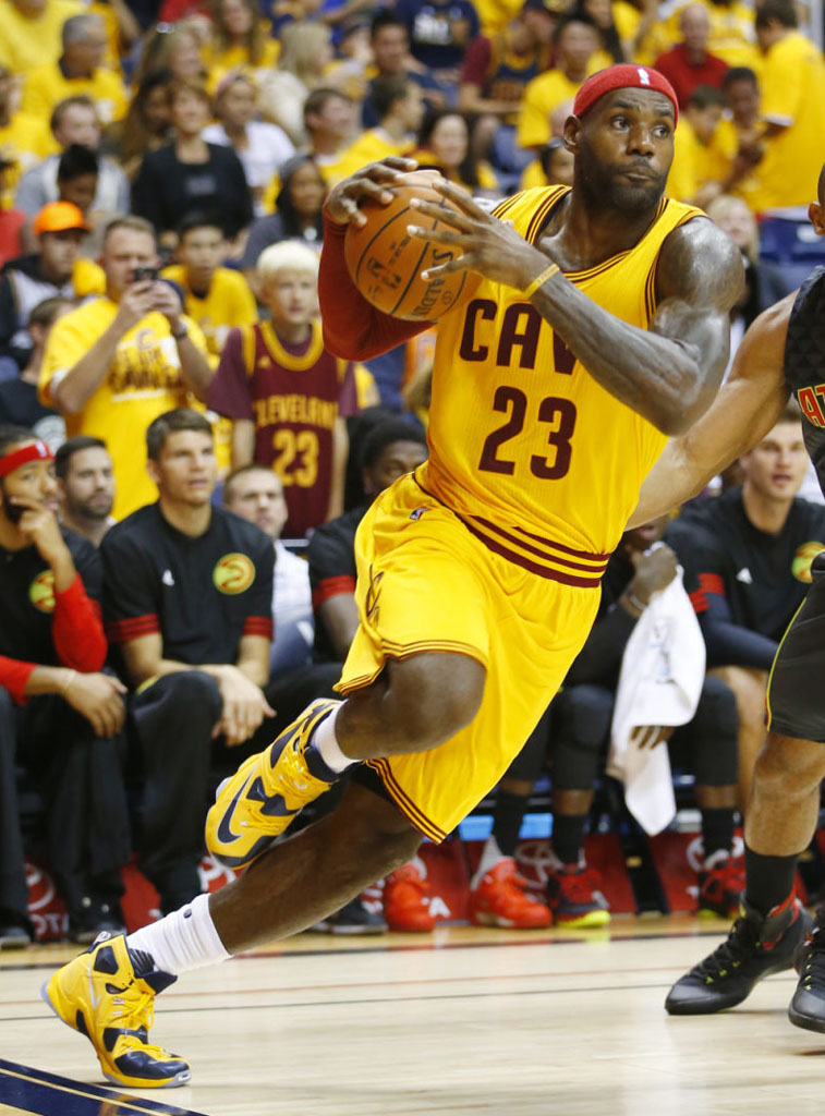 702bac79ed2fa SoleWatch  King James Wears  Cavs  Nike LeBron 13 In Return to the ...