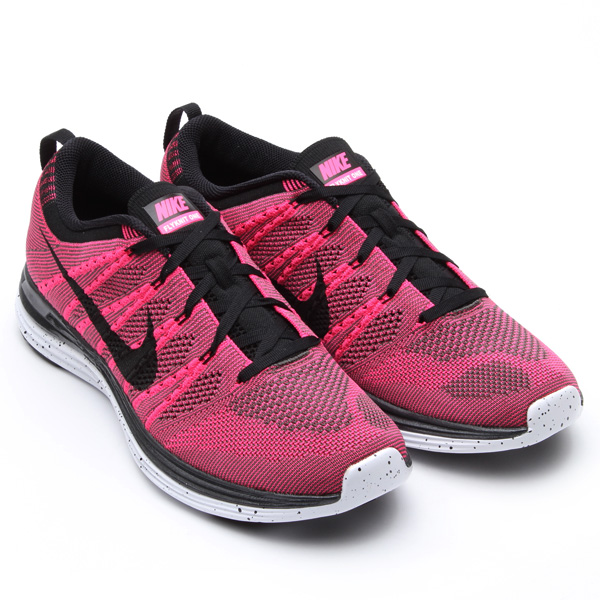 7bfb97ce7b503 A closer look at the upcoming Nike Flyknit Lunar1+ in Pink Flash   Black    Midnight Fog.