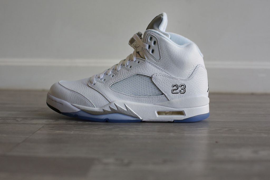 air jordan 5 metallic white
