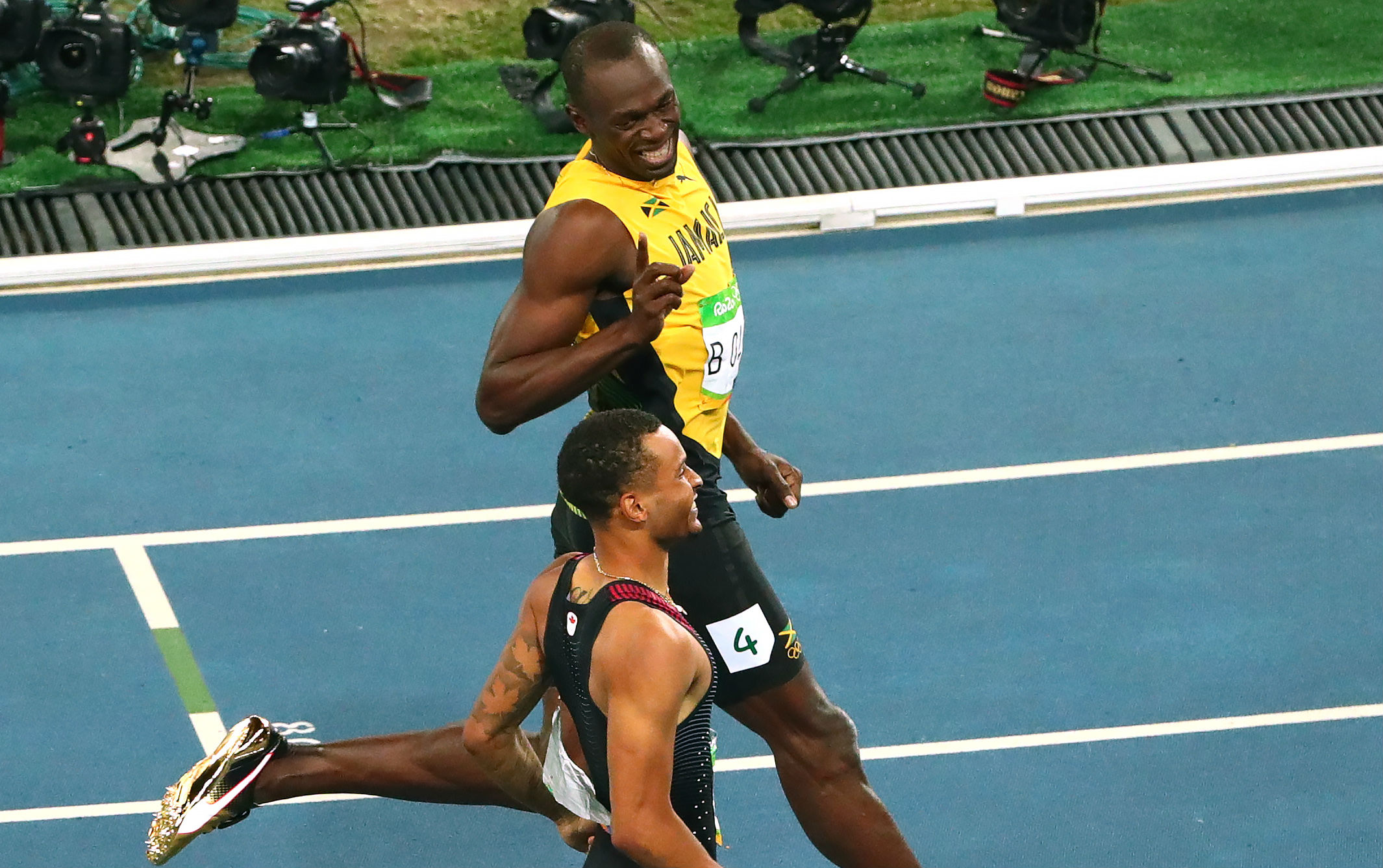 ee4f74bb73e6a6 Usain Bolt s Gold Puma Spikes for the Olympics Laugh