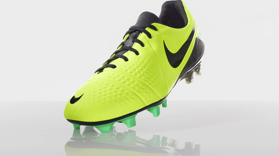 Nike Football Soccer High Visibility CTR360