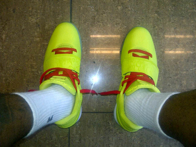brandon jennings previews neonred under armour bloodline