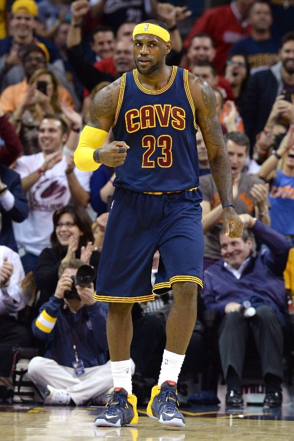 LeBron James wearing Nike LeBron XII 12 Blue Cavs PE (1)