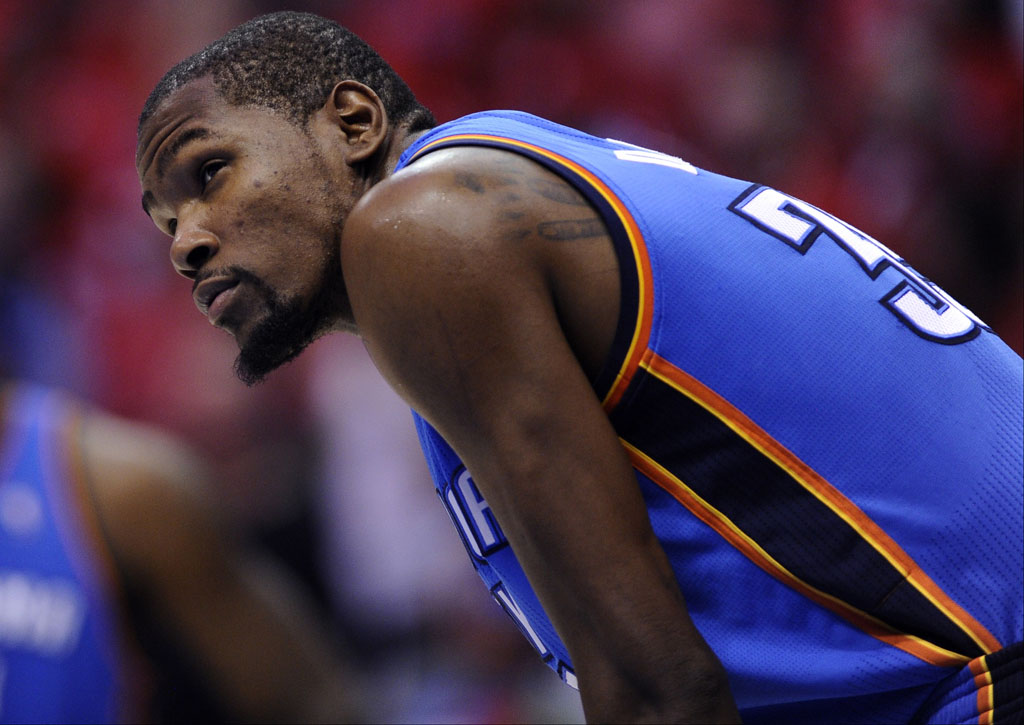 Under Armour Makes Official 10-Year, $285 Million Dollar Offer to Kevin Durant (1)