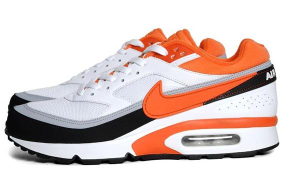 buy popular 09ff3 369f8 Nike Air Classic BW Textile - White Team Orange-Black