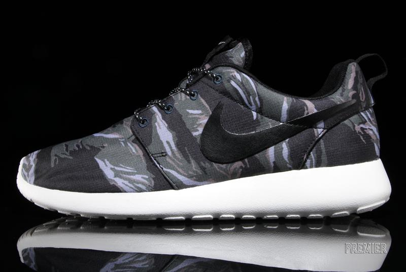 6d8df5007c845 ... cheap every variation of the nike roshe run sole collector 5c4be caa9c