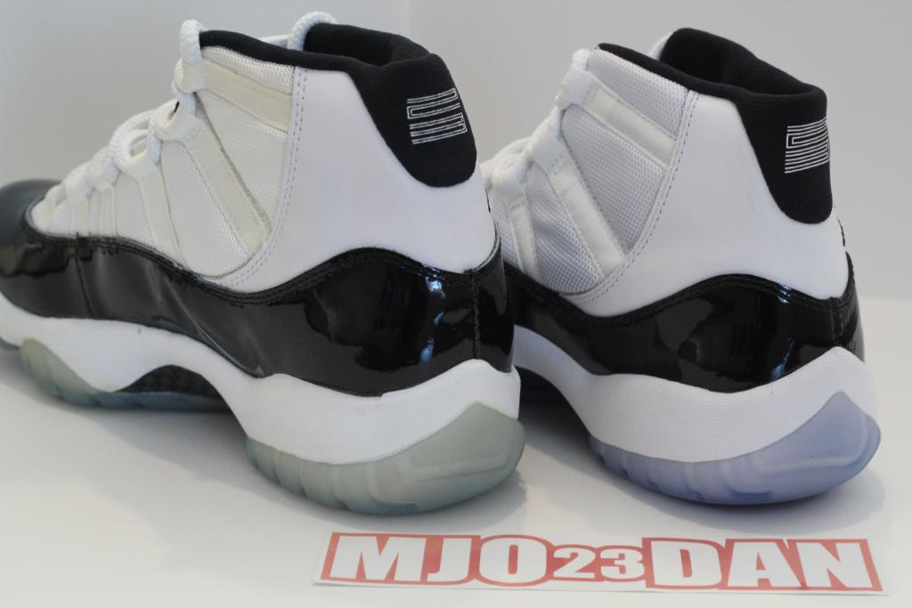 "Air Jordan Retro 11 ""Concord"" (2011) vs. Air Jordan XI ""Concord"" 1995)"