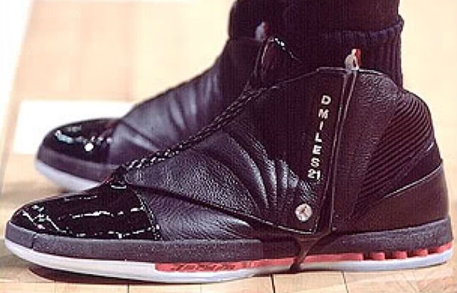 Air Jordan XVI 16 Darius Miles Los Angeles Clippers Away PE (1)